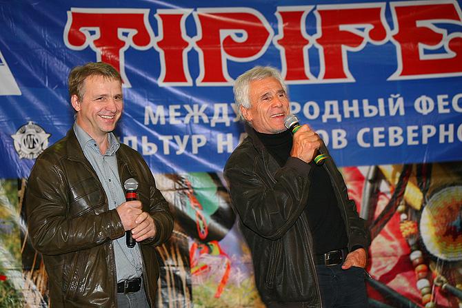 Константин Бёгель и Гойко Митич (фото: Светлана Просенкова)